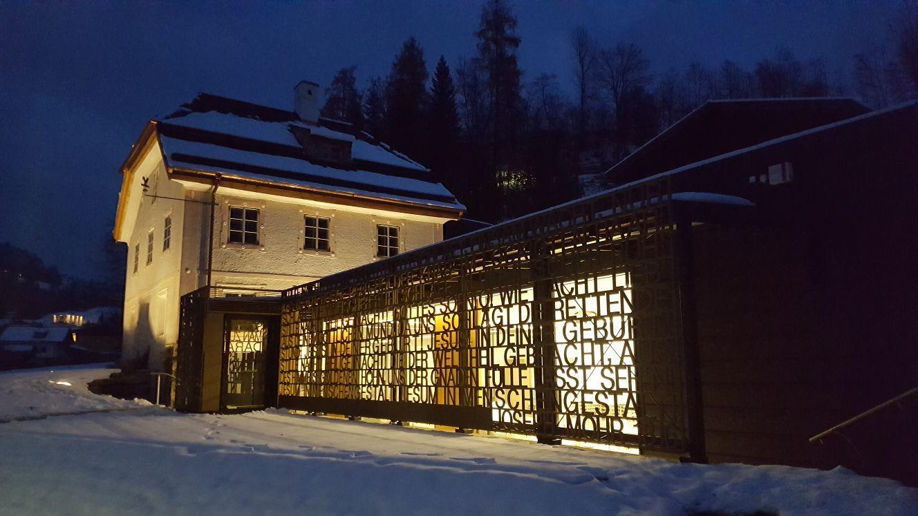 Pflegerschlössl-bei-Nacht- -Kulturverein-Blaues-Fenster