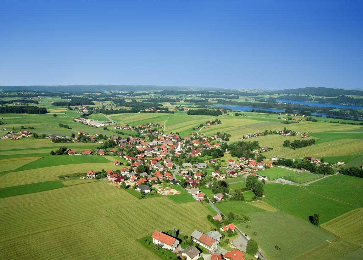 Salzburger Seenland Berndorf Luftaufnahme